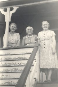 Ruth White with mother and sister. Redland Bay.